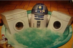 R2D2 in a hot tub with two washing machines