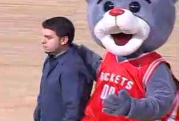 Clutch the Rockets Bear with his dejected friend.