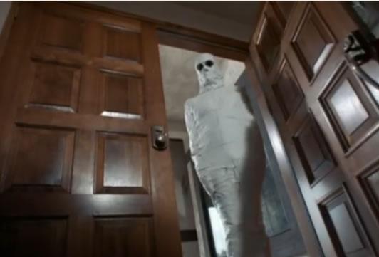 McMahon as a mummy