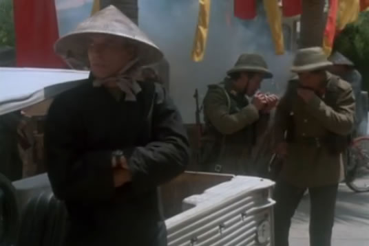 Face sneaks around Hanoi