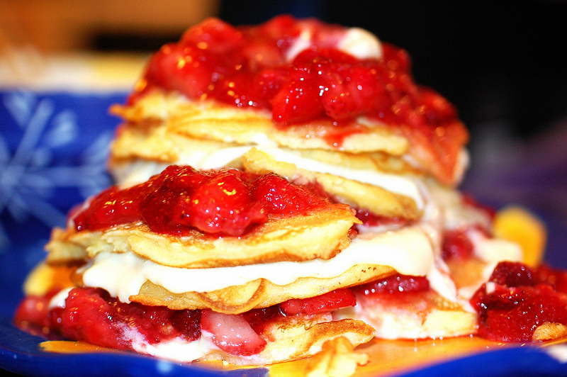 Strawberry pancake pie