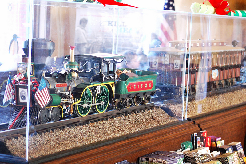 Lincoln funeral train replica