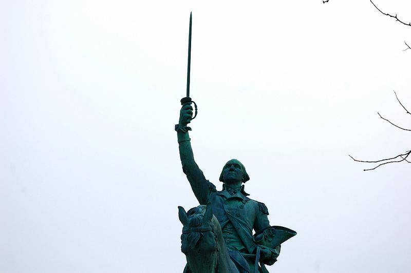 Washington Monument Square statue