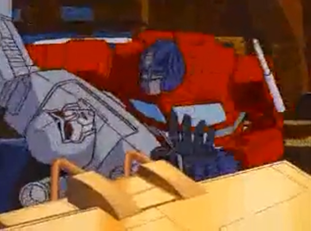 Optimus fights Megatron