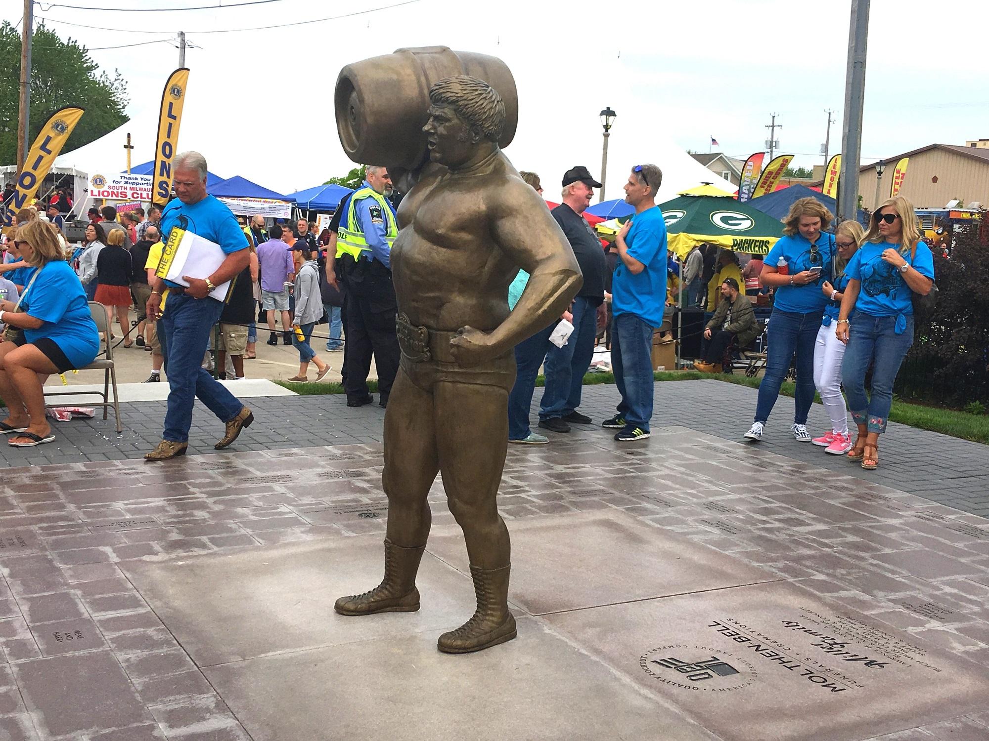 Statue of Da Crusher in South Milwaukee, WI