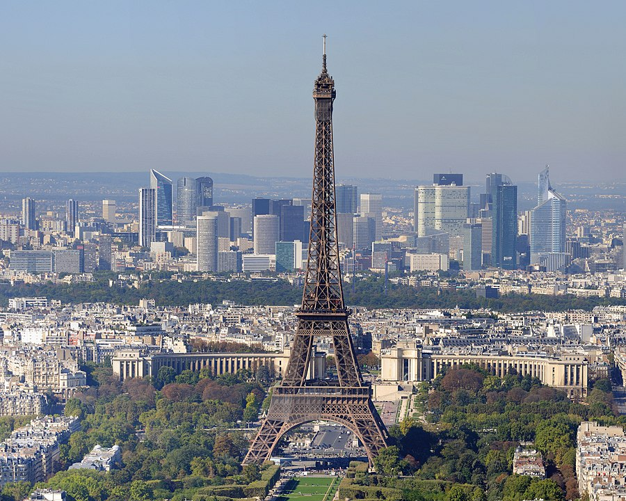 Eiffel Tower. By Wladyslaw (Taxiarchos228) - Own work, CC BY 3.0, https://commons.wikimedia.org/w/index.php?curid=36254916