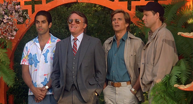 Frankie, Stockwell, Face and Murdock in a garden