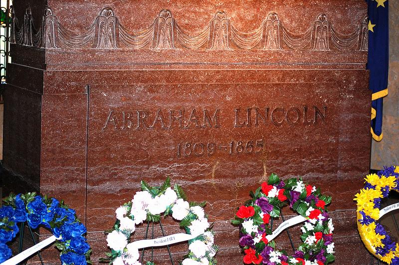 Abraham Lincoln grave marker