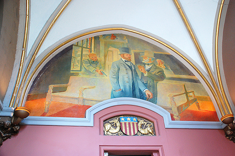 Mural of James Garfield being shot