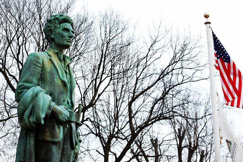 Soldier Lincoln statue