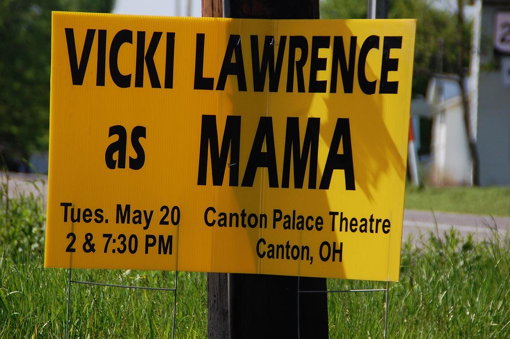 Vicki Lawrence as Mama
