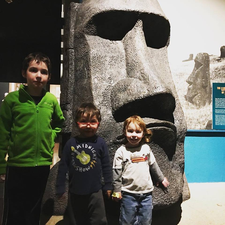 The Carlson Kids meet a giant head at the Milwaukee Public Museum