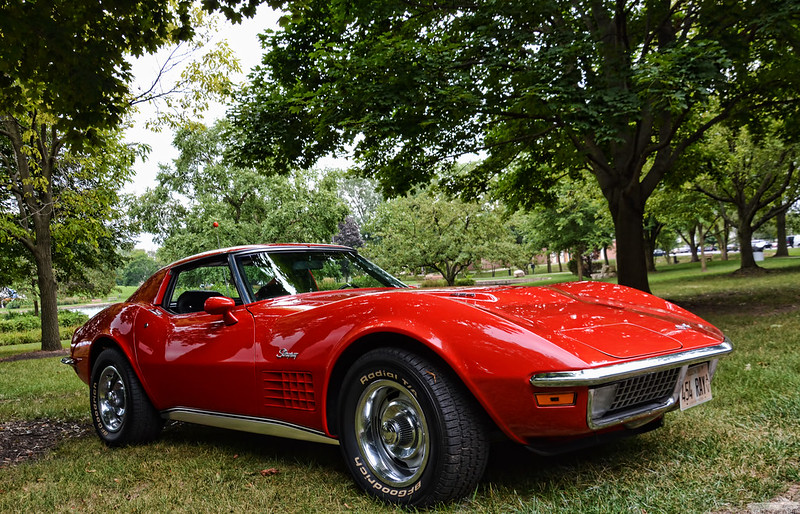 a classic red Corvette. (Chad Horwedel vis Flickr/Creative Commons)