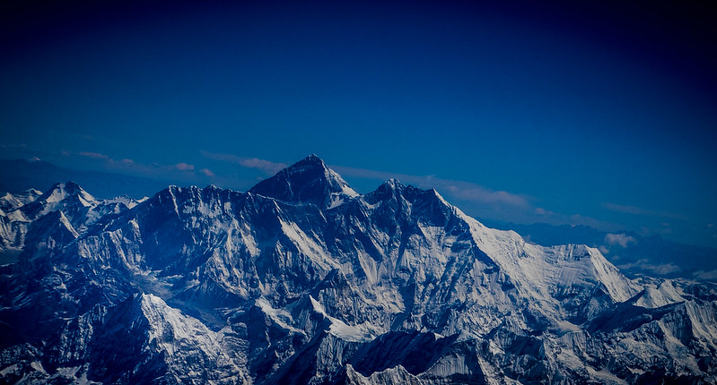 Mount Everest (photo by Esin Üstün via Flickr/Creative Commons https://flic.kr/p/rSQn72)